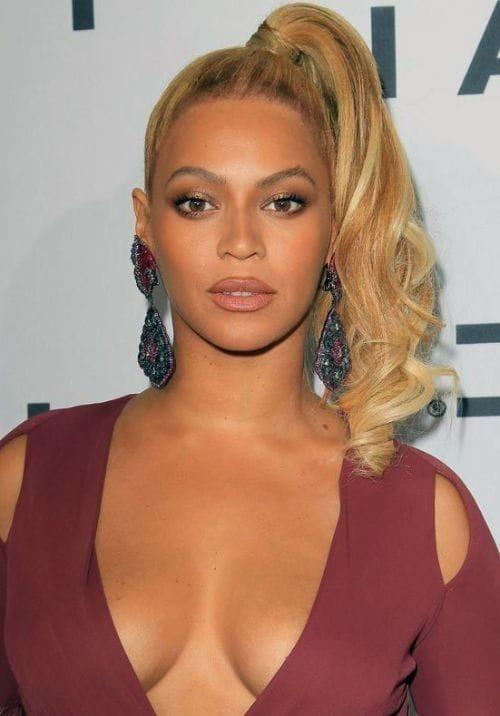 Beyoncé Wears Side-Swept Blonde Ponytails